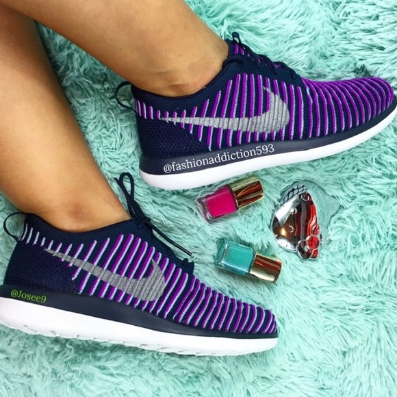 huge selection of c9010 f1d29 Nike Roshe Two Flyknit Women s purple white shoes